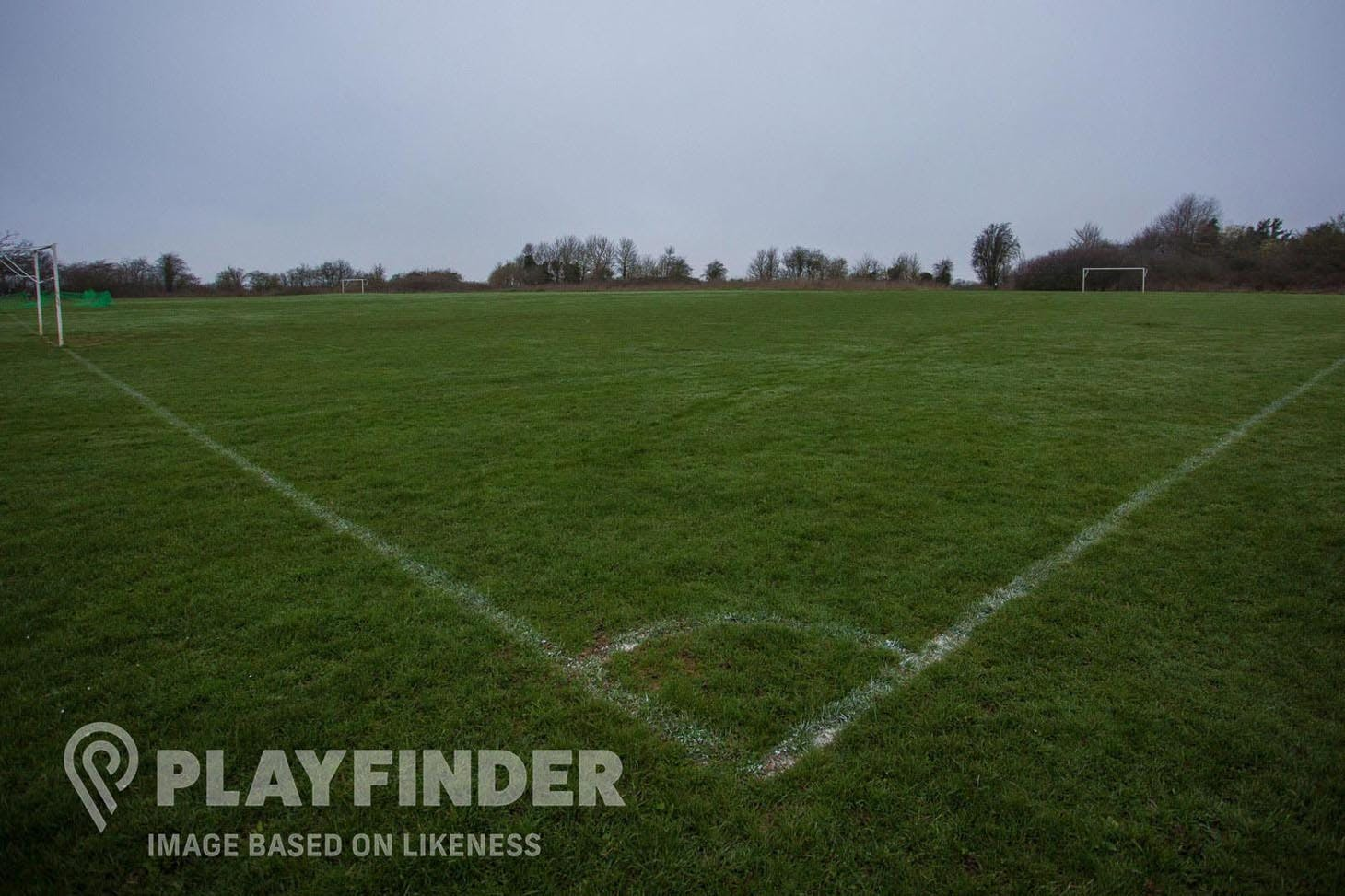 Elthorne Waterside Pitches 9 a side | Grass football pitch