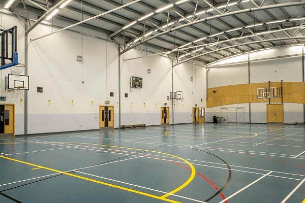 Over 100 badminton courts for hire