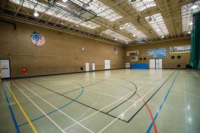 Over 500 badminton courts for hire