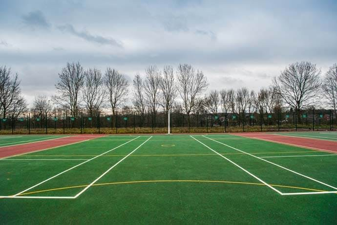 Over 200 tennis courts for hire