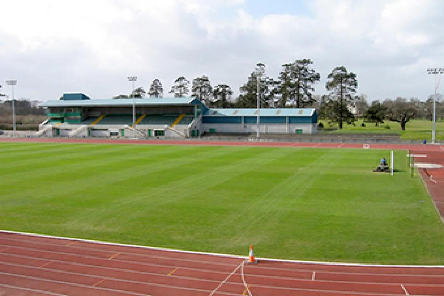 Clonliffe Harriers Athletic Club Outdoor | Artificial athletics track