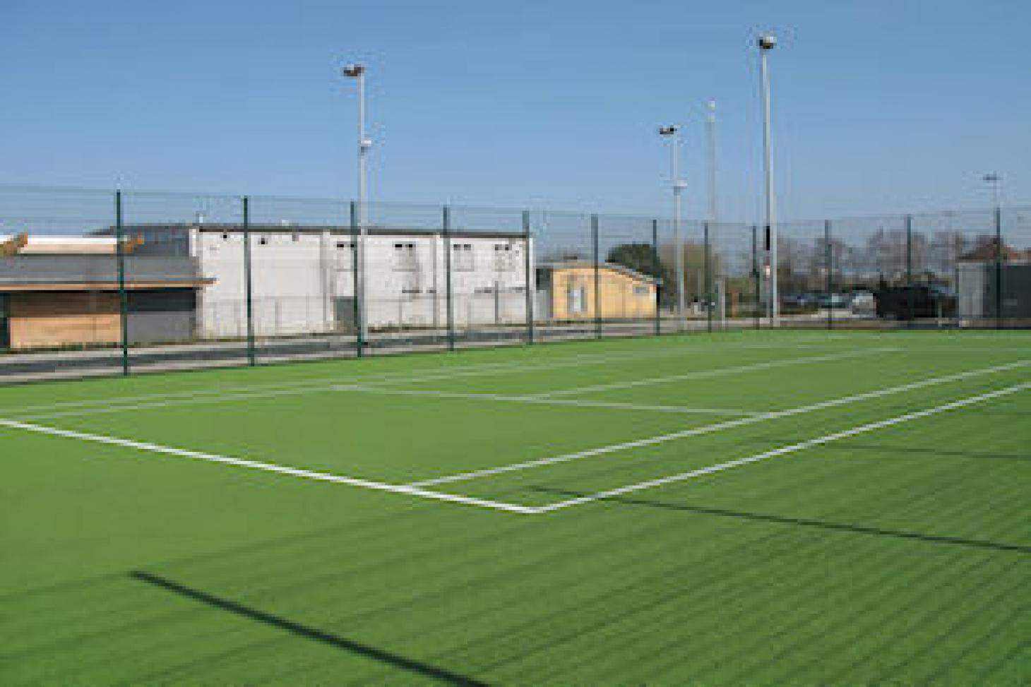 dlr Meadowbrook Outdoor | Astroturf tennis court