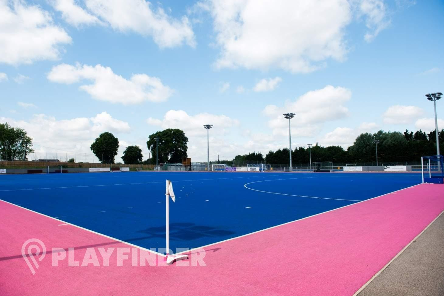 Old Loughtonians Hockey Club Outdoor | Astroturf hockey pitch