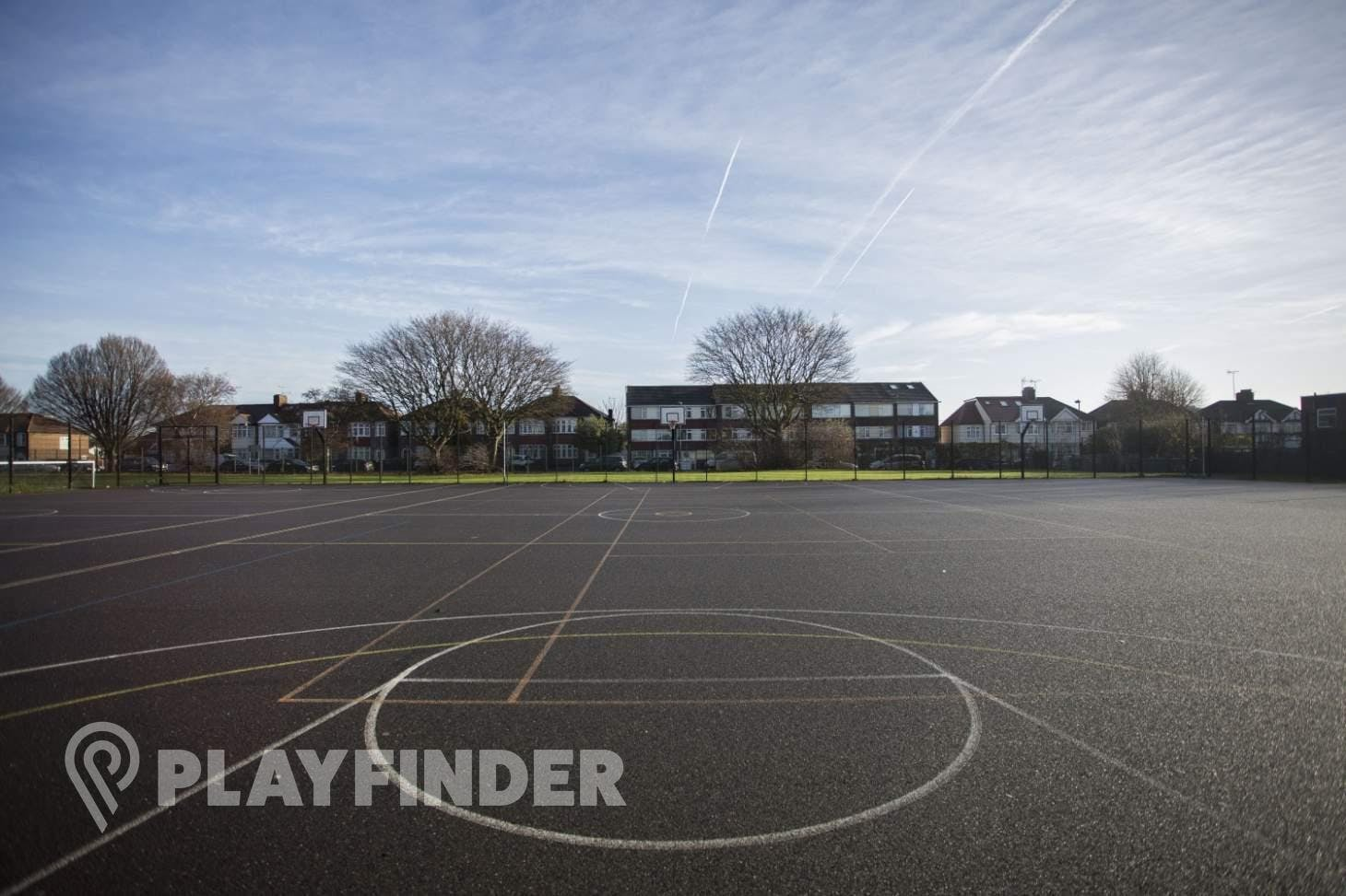 Aylward Academy Outdoor | Hard (macadam) basketball court