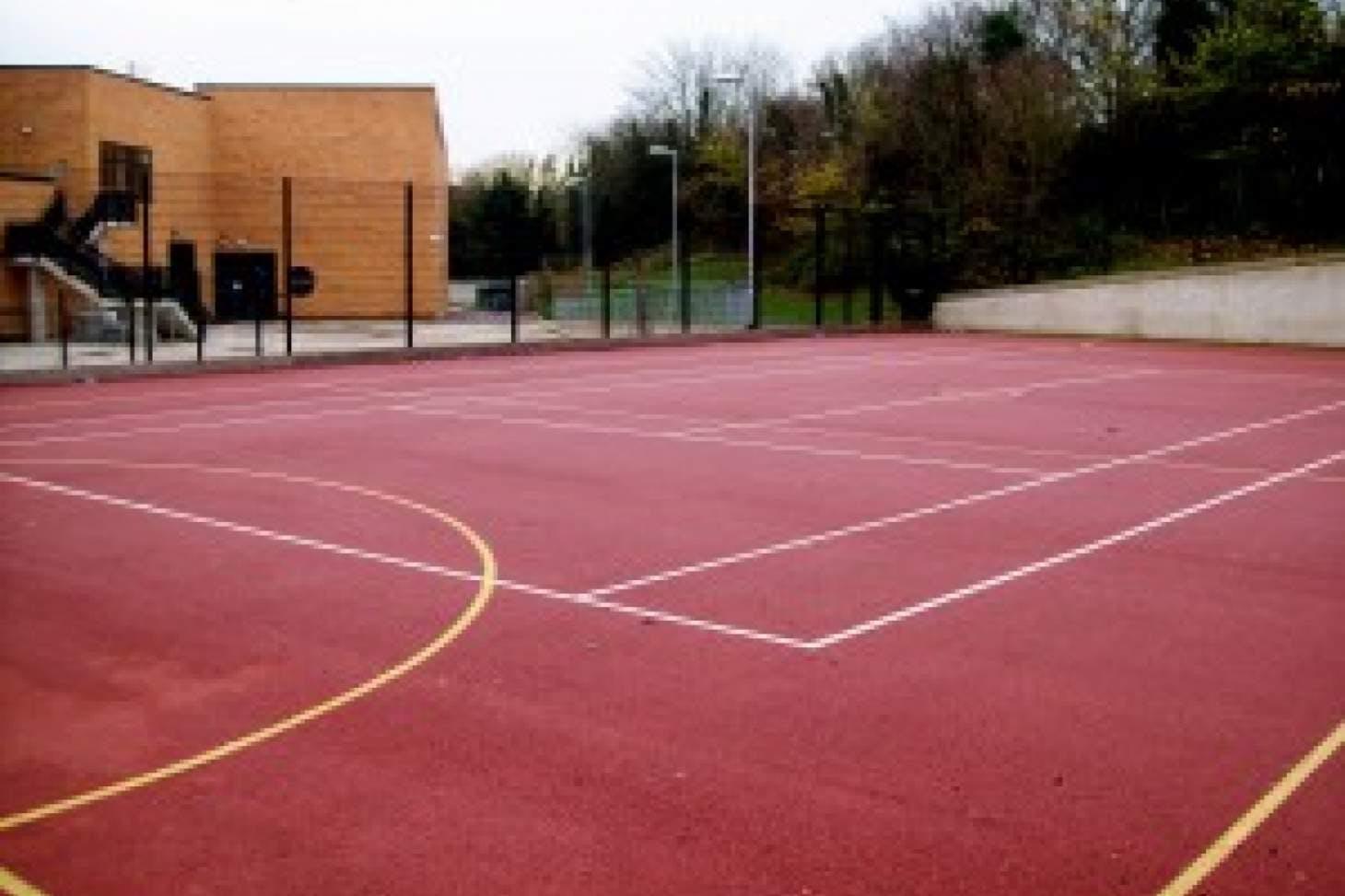 Thamesview School Outdoor   Hard (macadam) tennis court