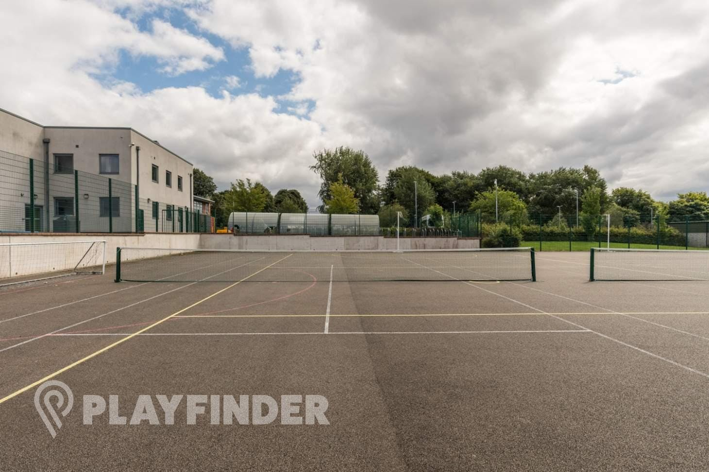 Buile Hill School Outdoor | Concrete tennis court