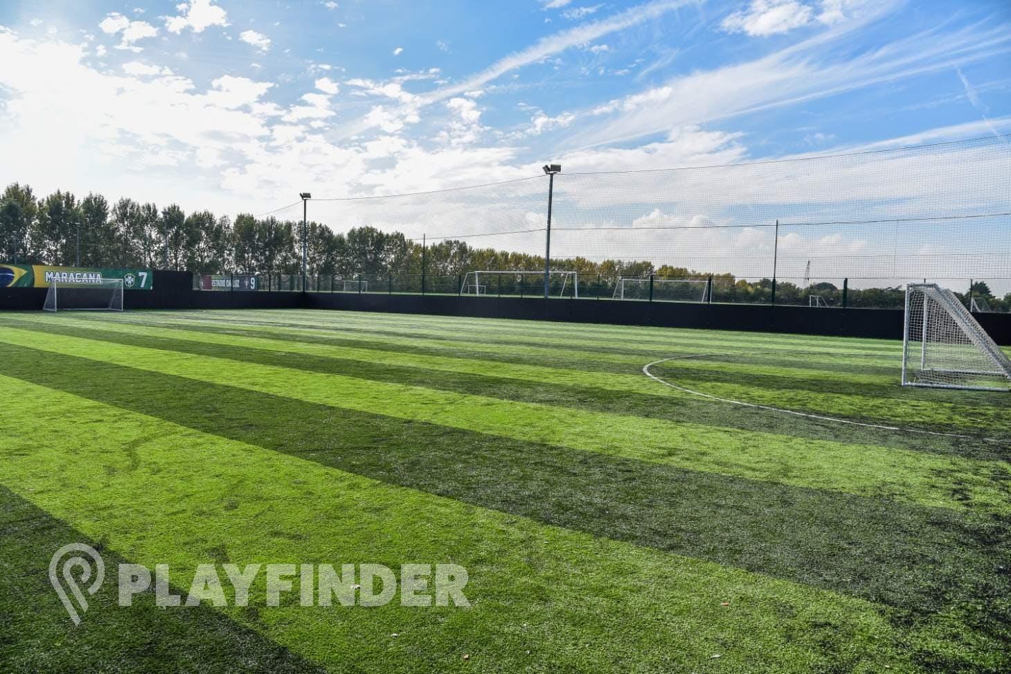 Goals Heathrow 7 a side   3G Astroturf football pitch