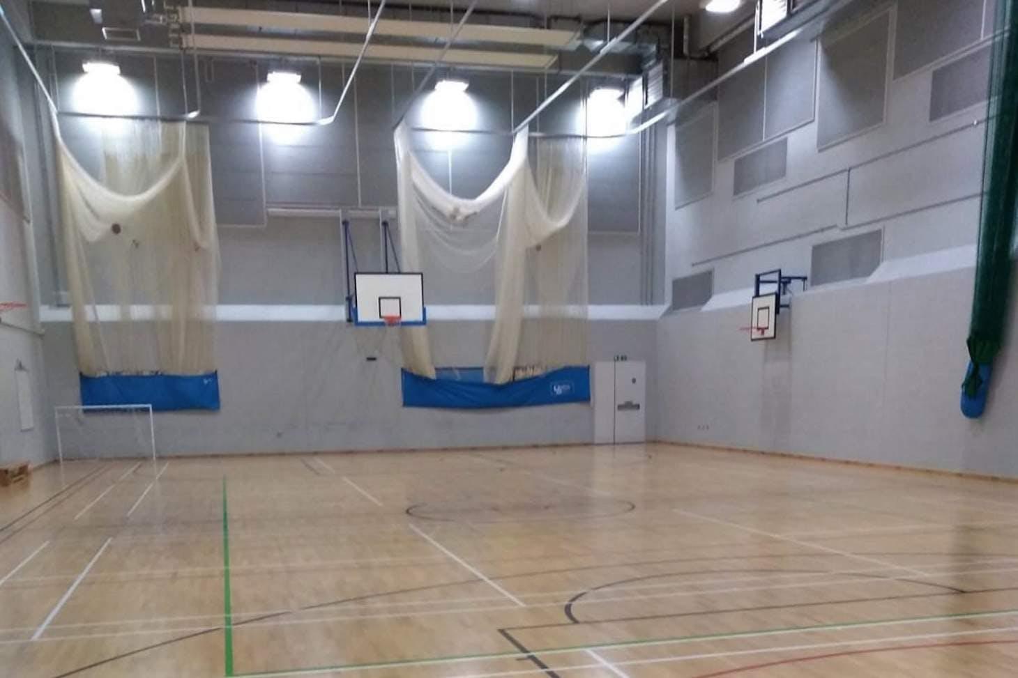 Kensington Aldridge Academy Court   Sports hall volleyball court