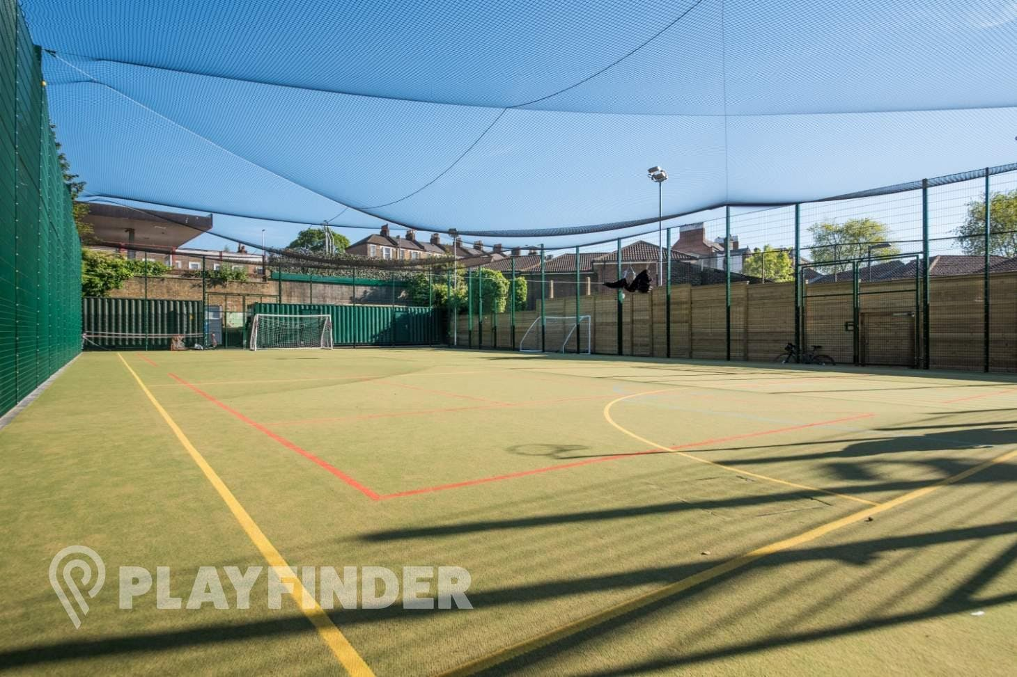 Clapham Old Town - 5aside.org 5 a side | Astroturf football pitch