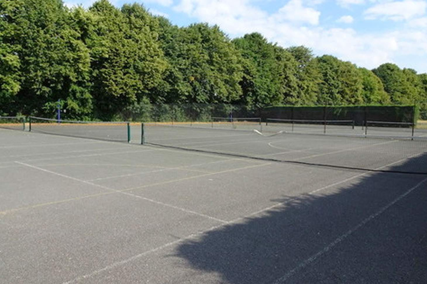 Wycombe High School Outdoor   Hard (macadam) netball court