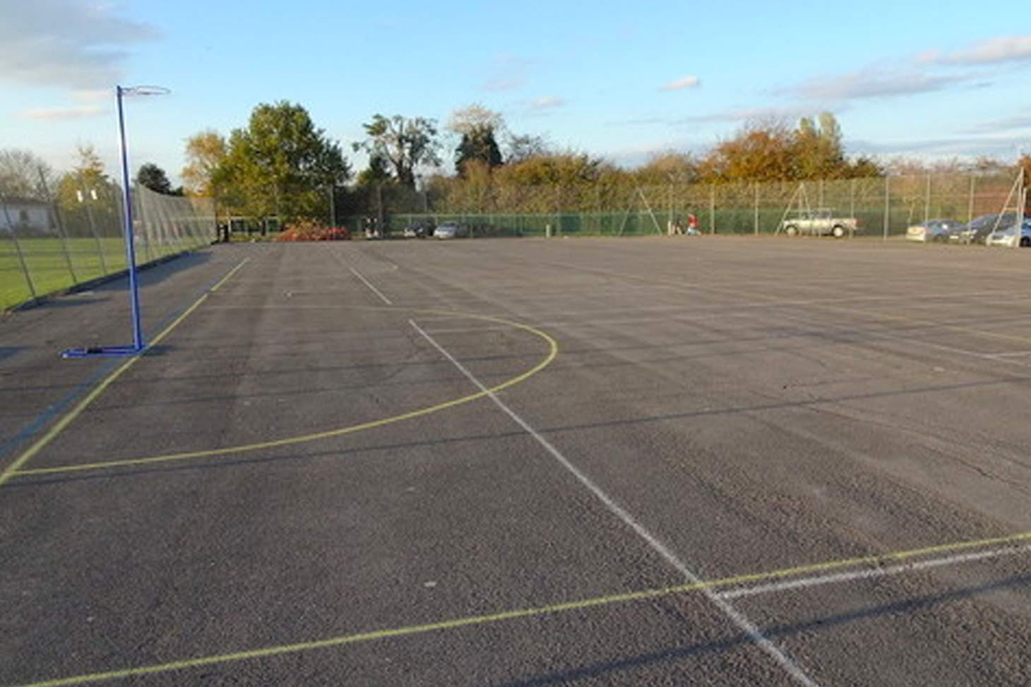 Holmer Green Senior School Court | Hard (macadam) netball court