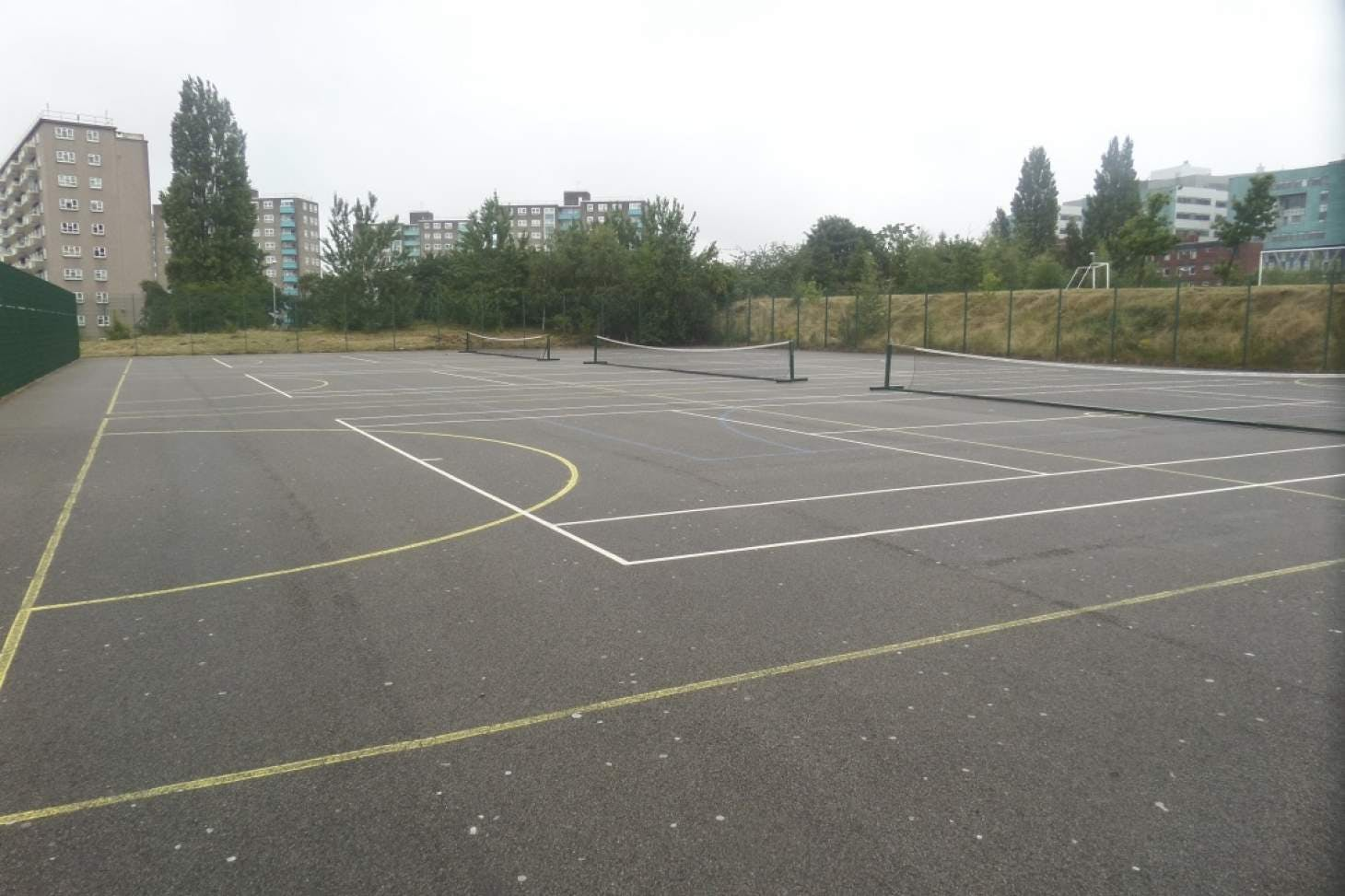 Co-op Academy Leeds Outdoor | Hard (macadam) netball court