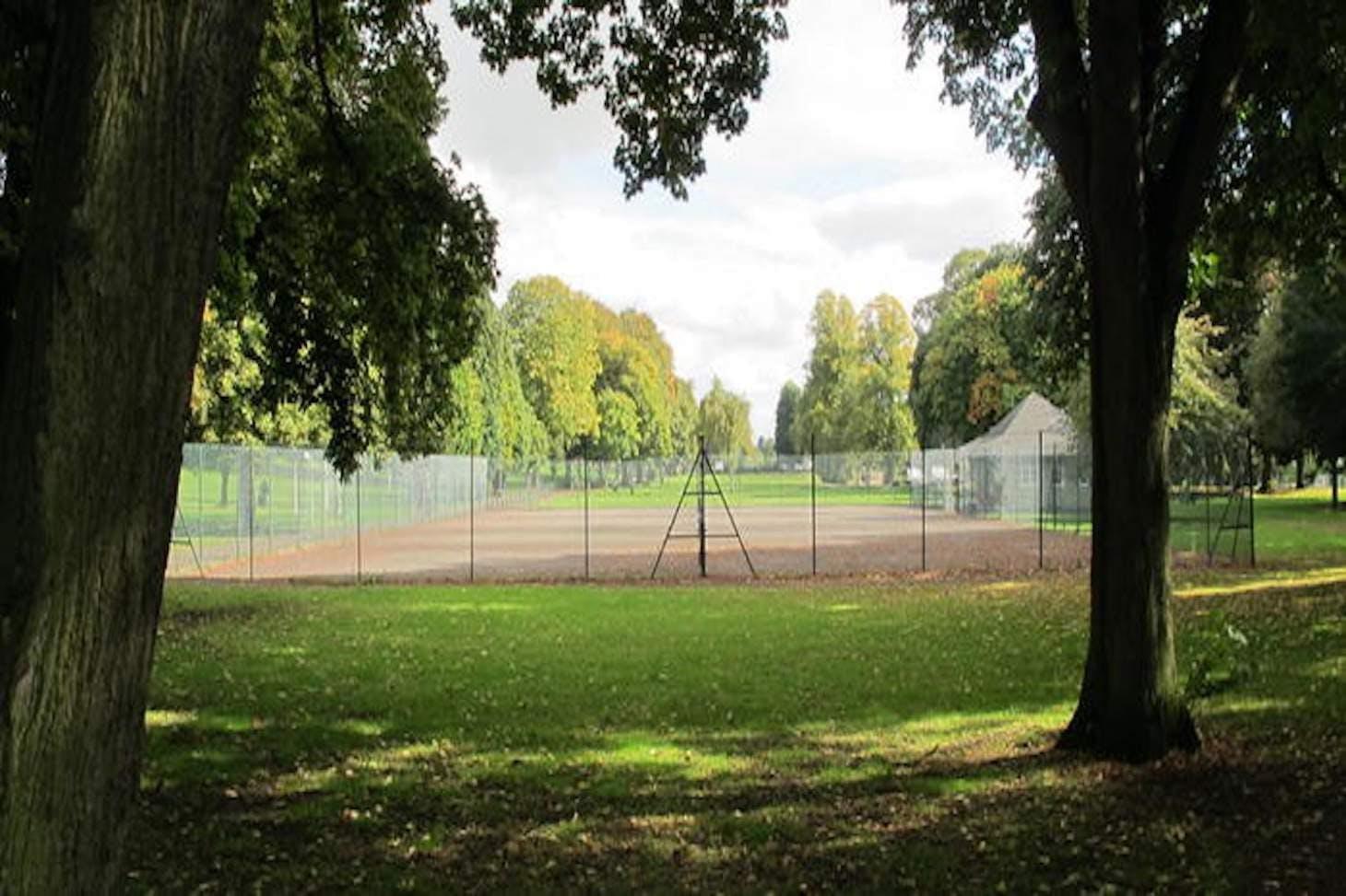 Abington Park Outdoor | Hard (macadam) tennis court