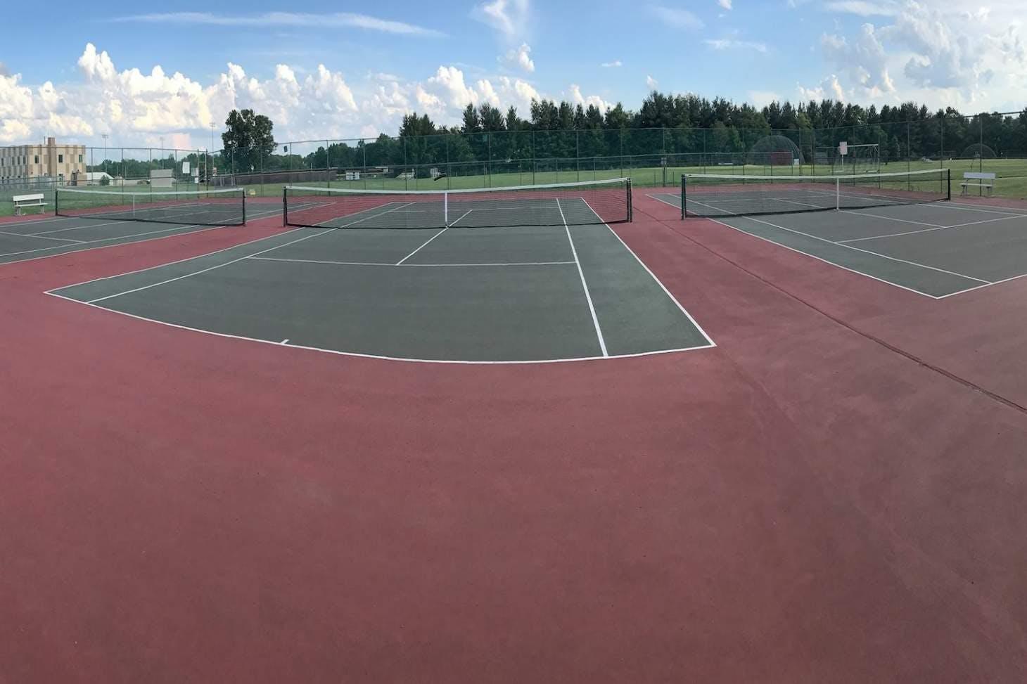 Hillsborough Park Outdoor | Hard (macadam) tennis court