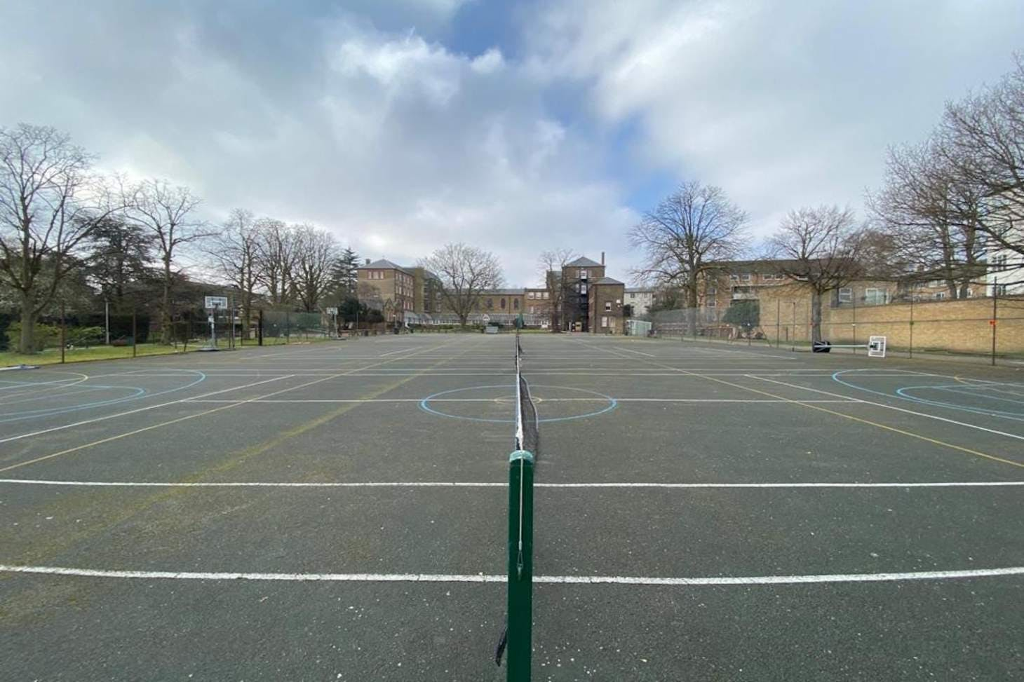 La Sainte Union School Outdoor   Hard (macadam) tennis court
