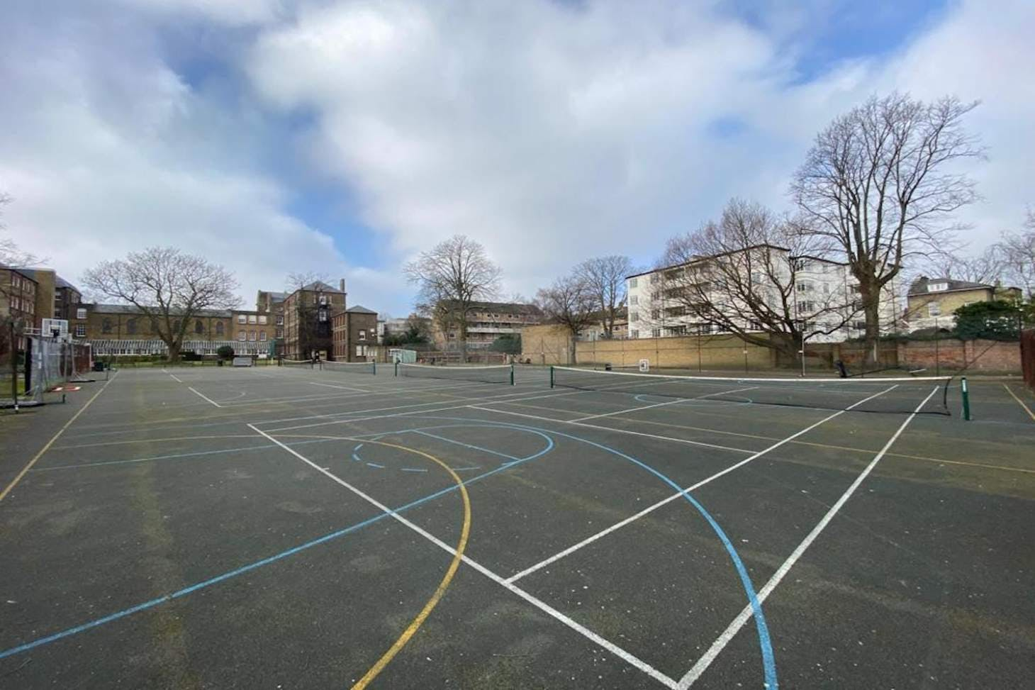 La Sainte Union School Outdoor | Hard (macadam) netball court