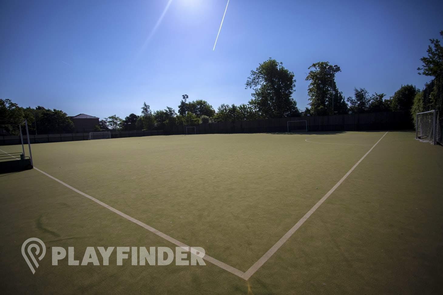 Elmgreen School Outdoor | Astroturf hockey pitch