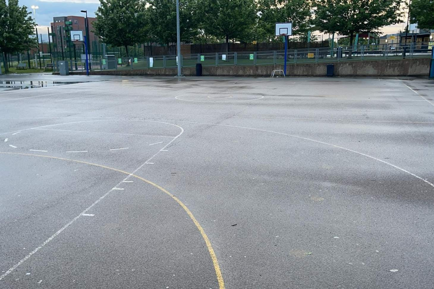 Ark Academy Wembley Outdoor | Concrete tennis court
