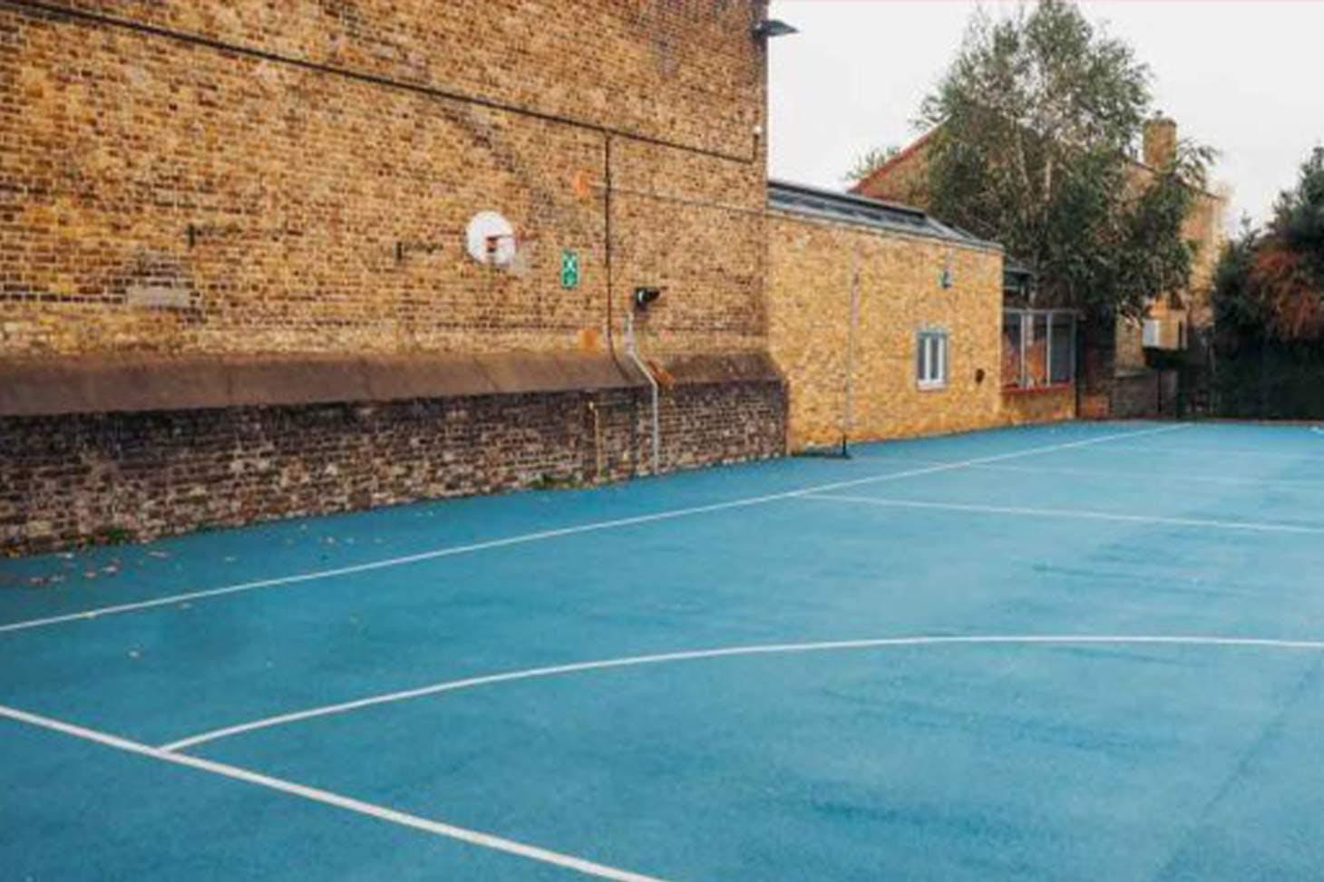 Bridge Hungerford School Court | Hard (macadam) netball court