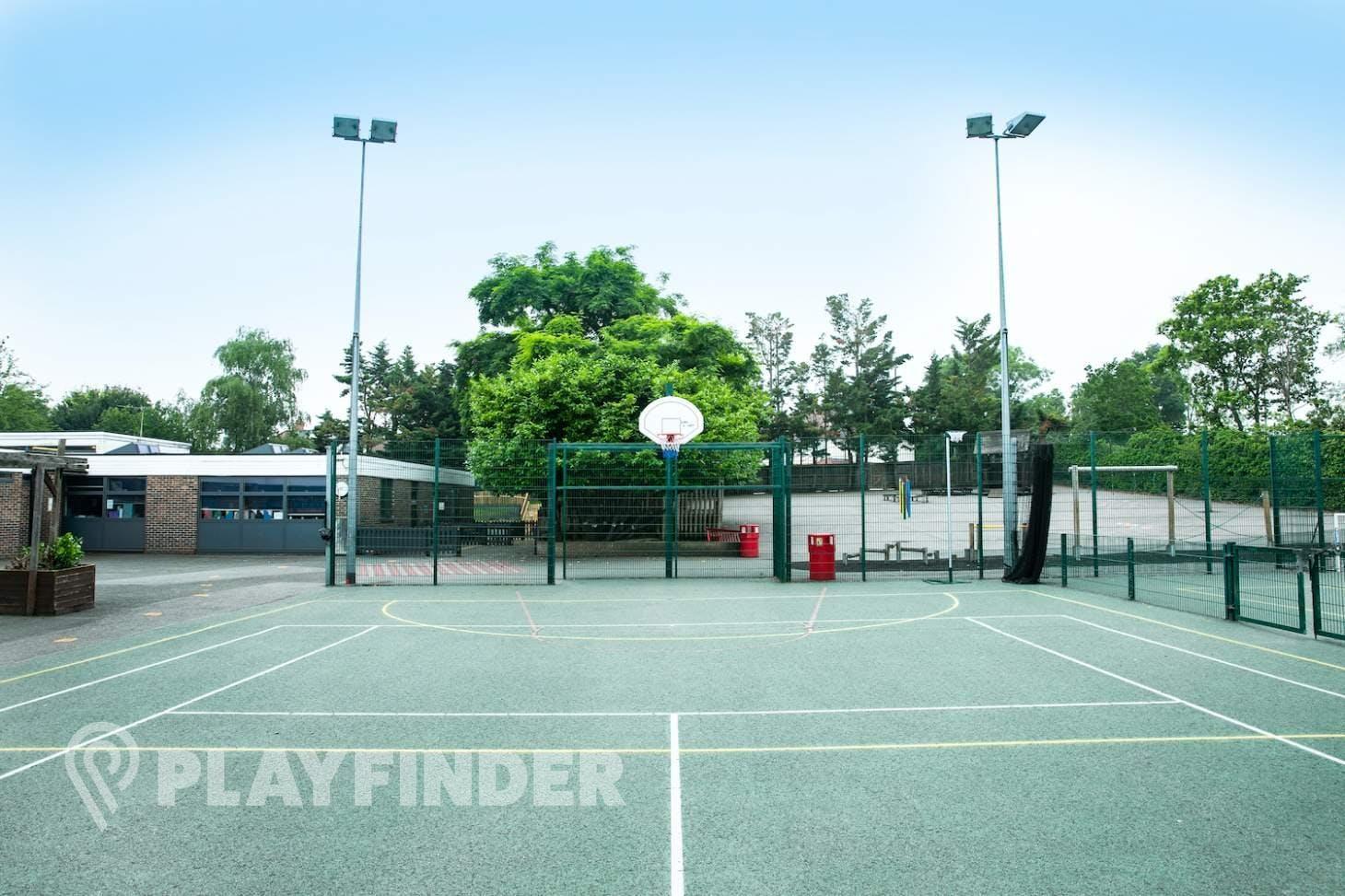 Stanley Primary School Outdoor | Hard (macadam) basketball court