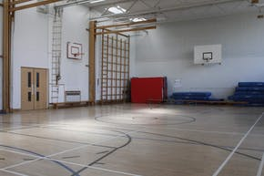 Upton-By-Chester High School   Indoor Basketball Court