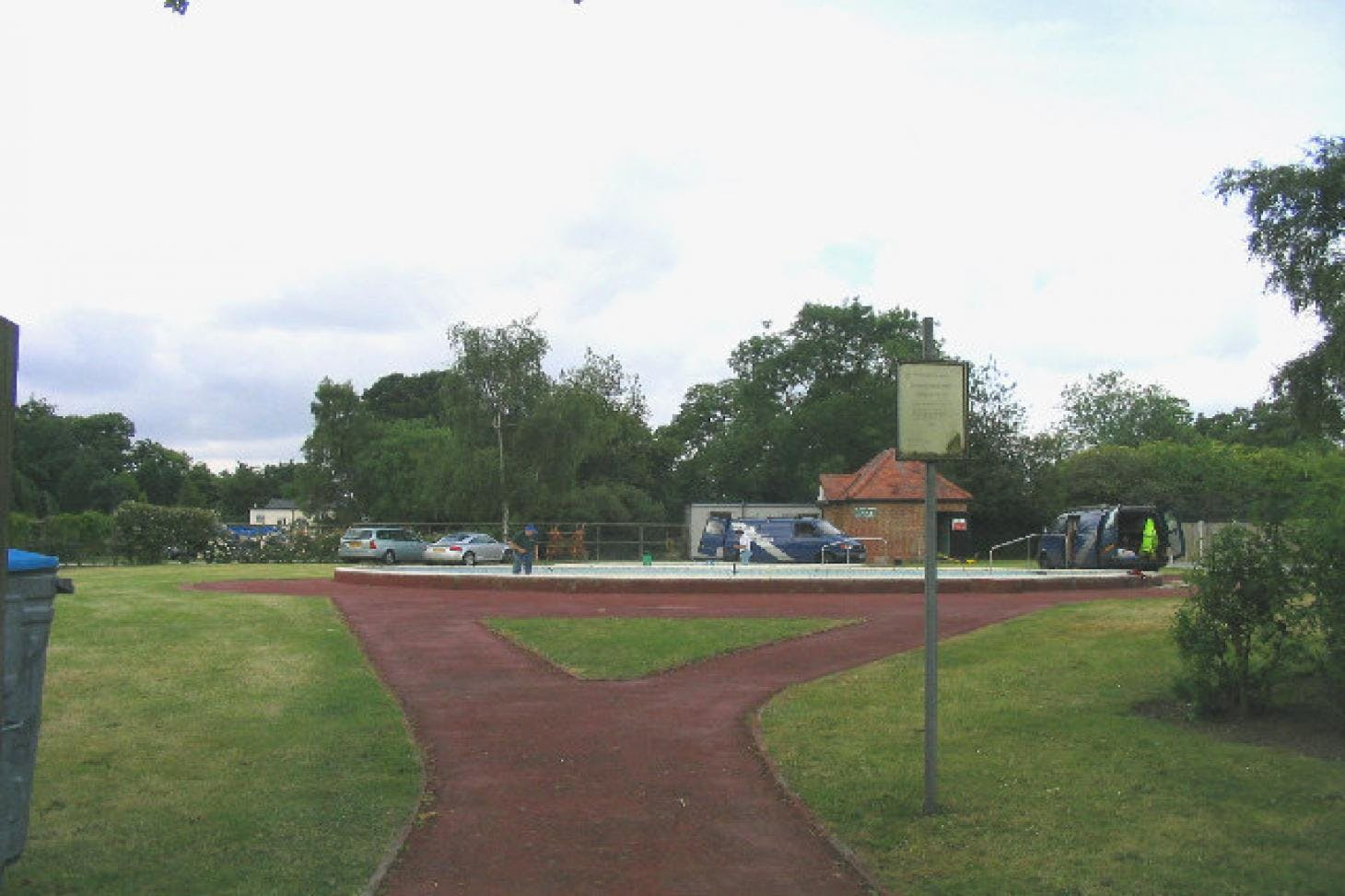 King George's Playing Fields Outdoor | Concrete netball court