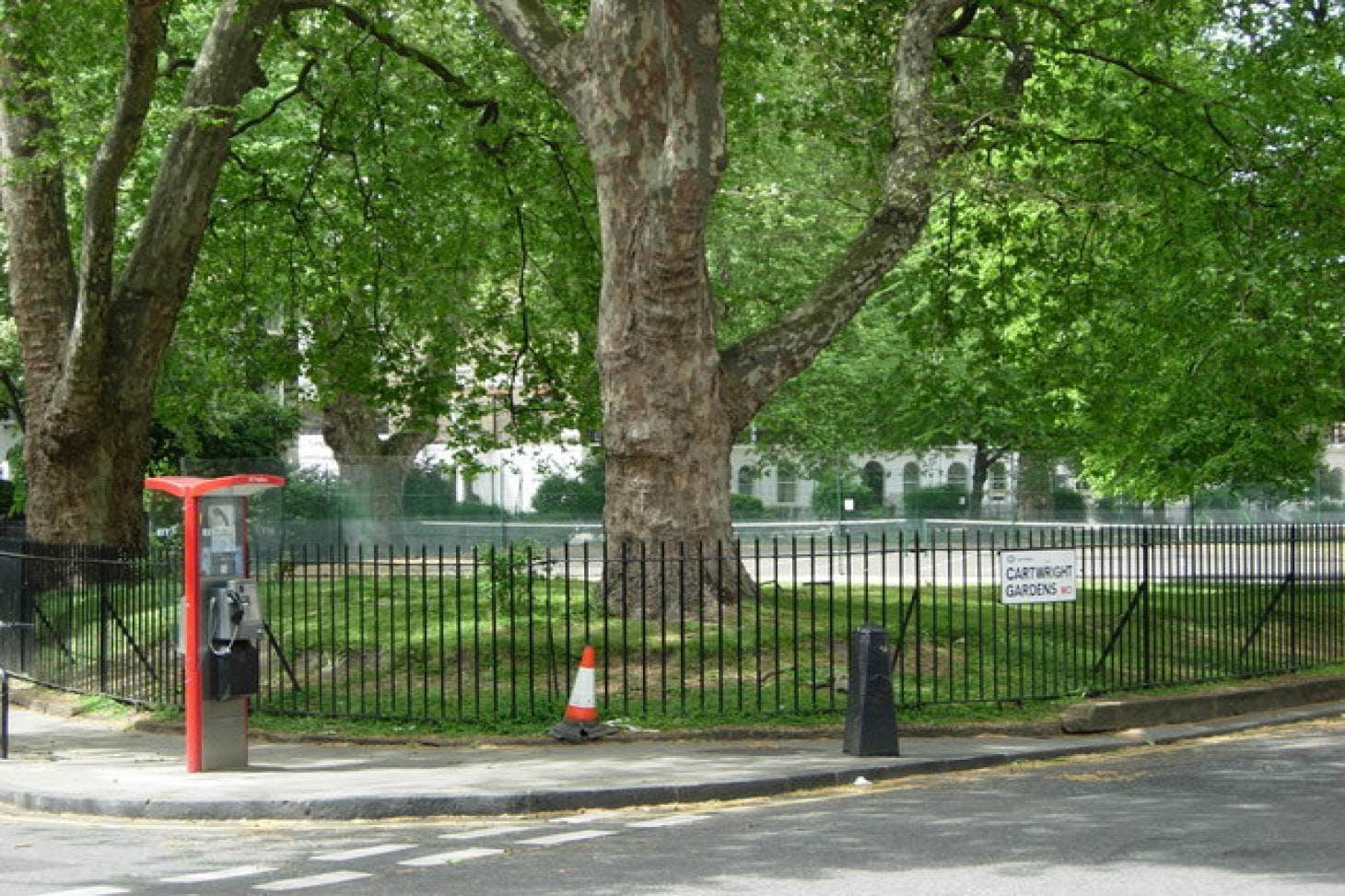 Cartwright Gardens Outdoor | Hard (macadam) tennis court