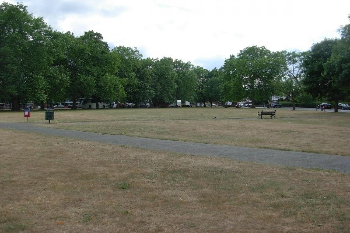 Plumstead Common Outdoor | Grass athletics track