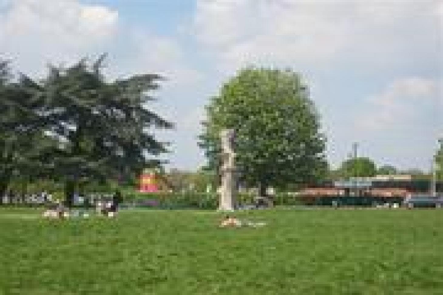 Beddington Park 5 a side | Concrete football pitch