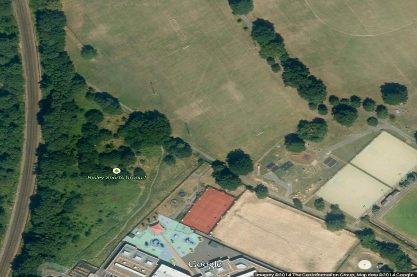 Morden Recreation Ground 11 a side   Grass football pitch