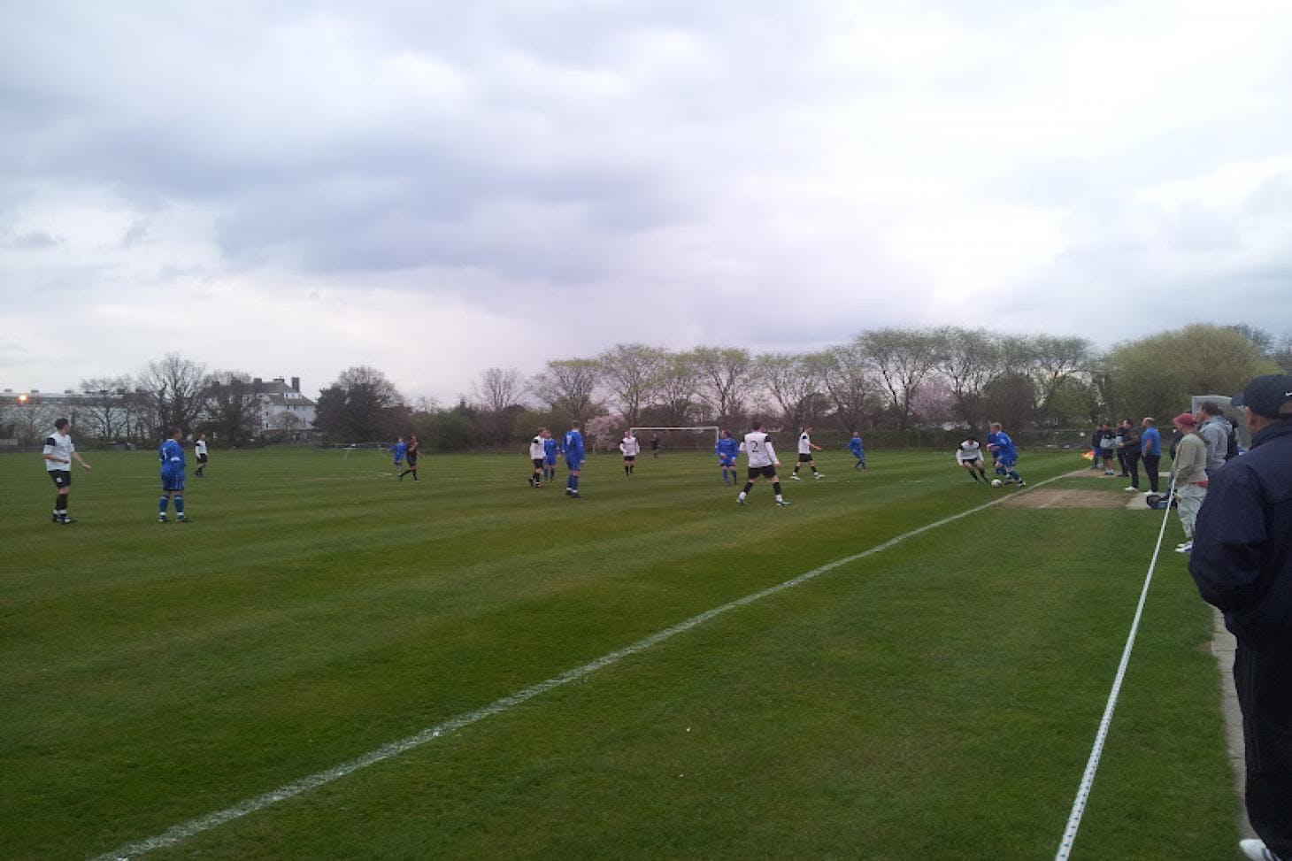 London Marathon Playing Fields - Redbridge 5 a side   Grass football pitch