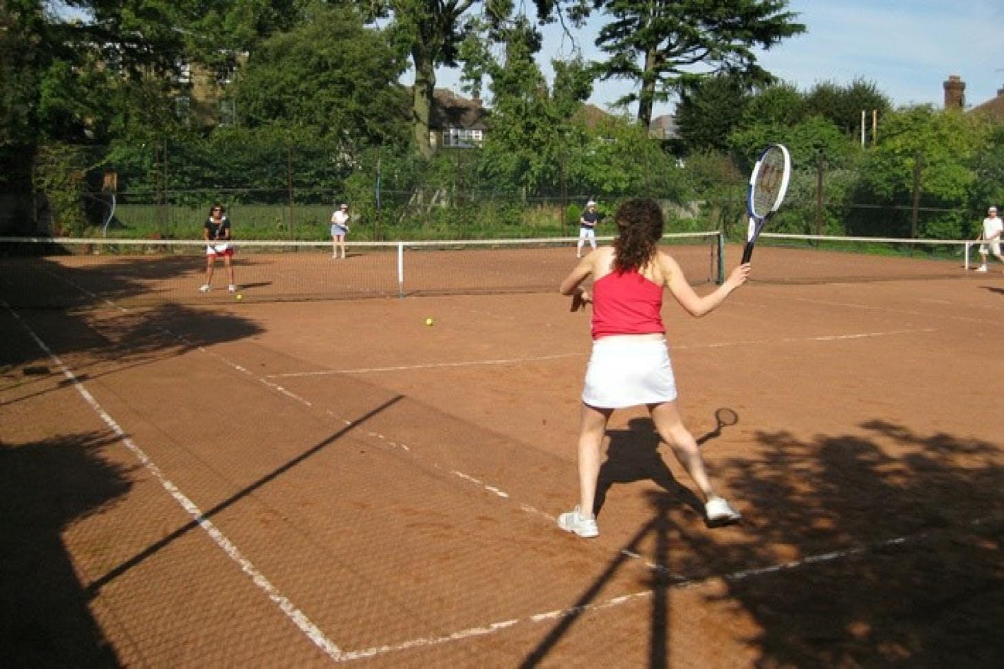 Fortis Green Tennis Club Outdoor   Clay tennis court
