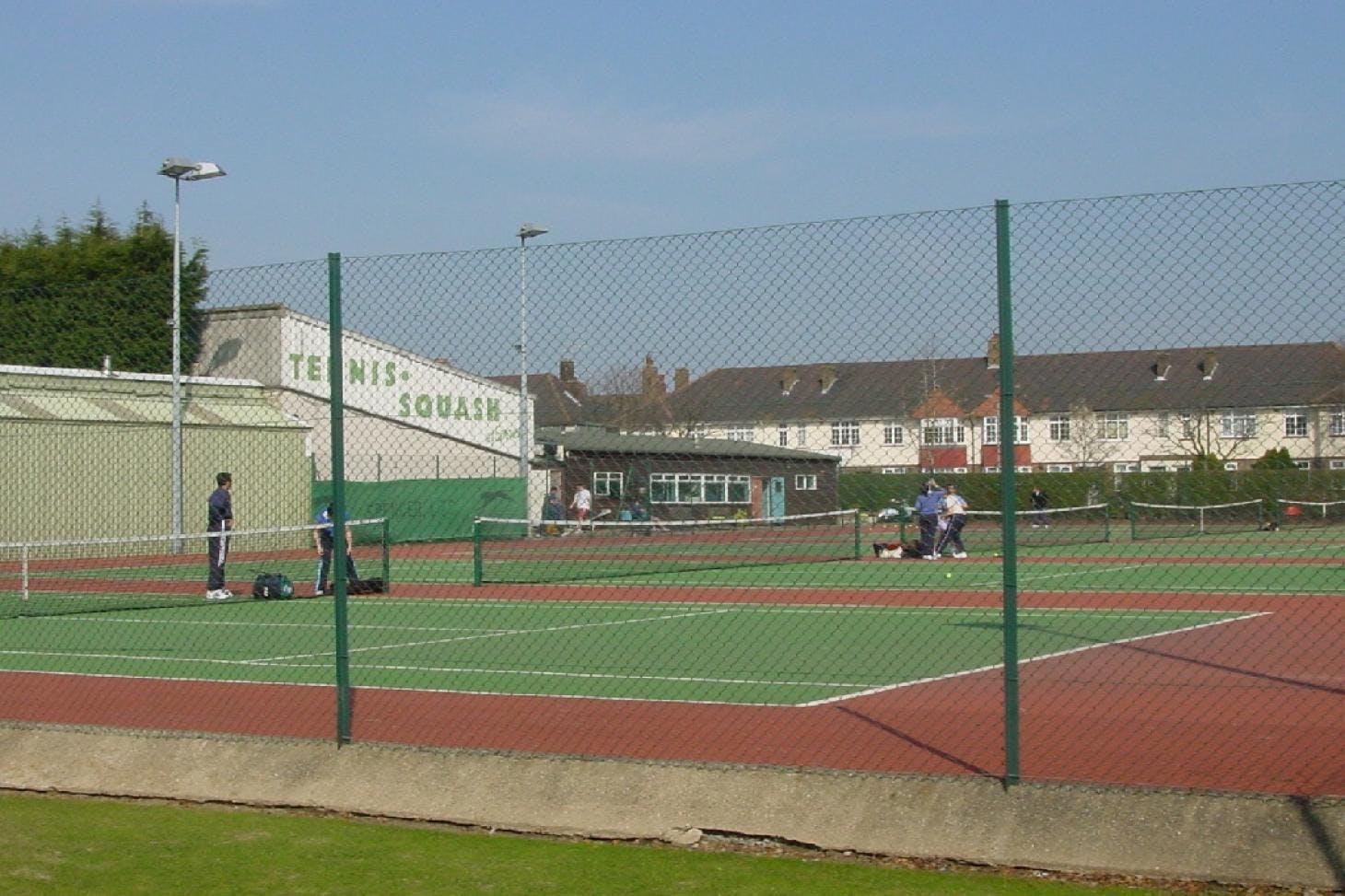 Spencer Club Outdoor | Grass tennis court