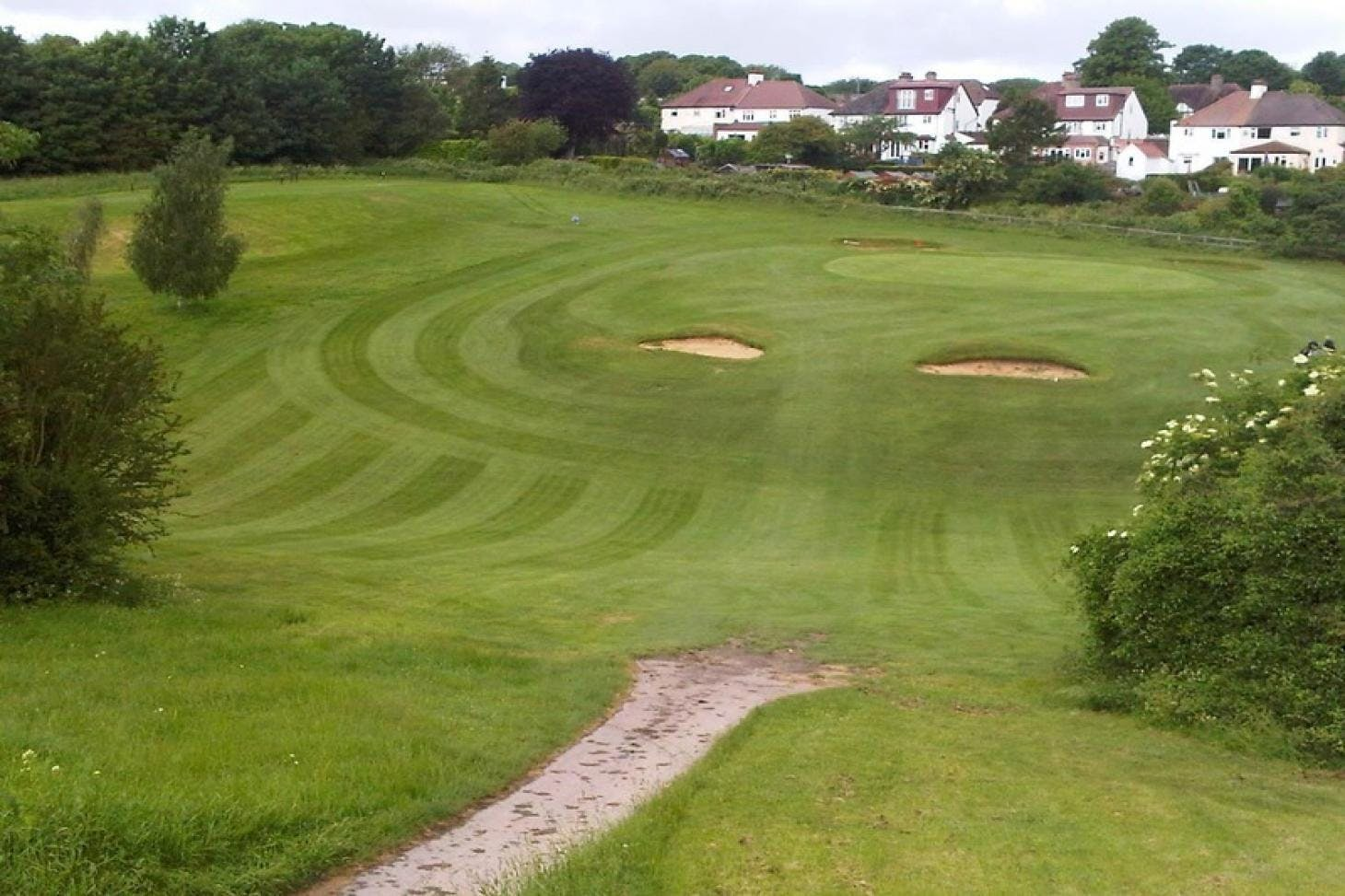 Oaks Sports Centre Golf Club 9 hole golf course