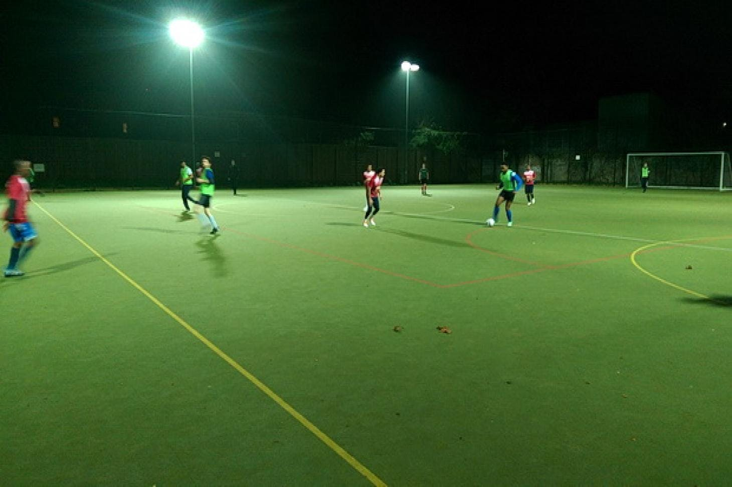 Platanos College Outdoor | Astroturf hockey pitch