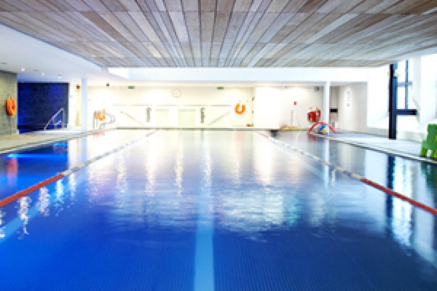 LA Fitness Edgware Indoor swimming pool