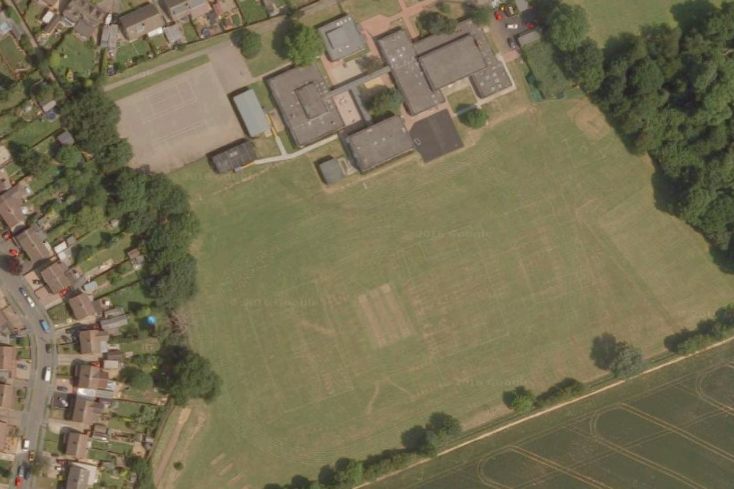 Caddington Village School 11 a side | Grass football pitch