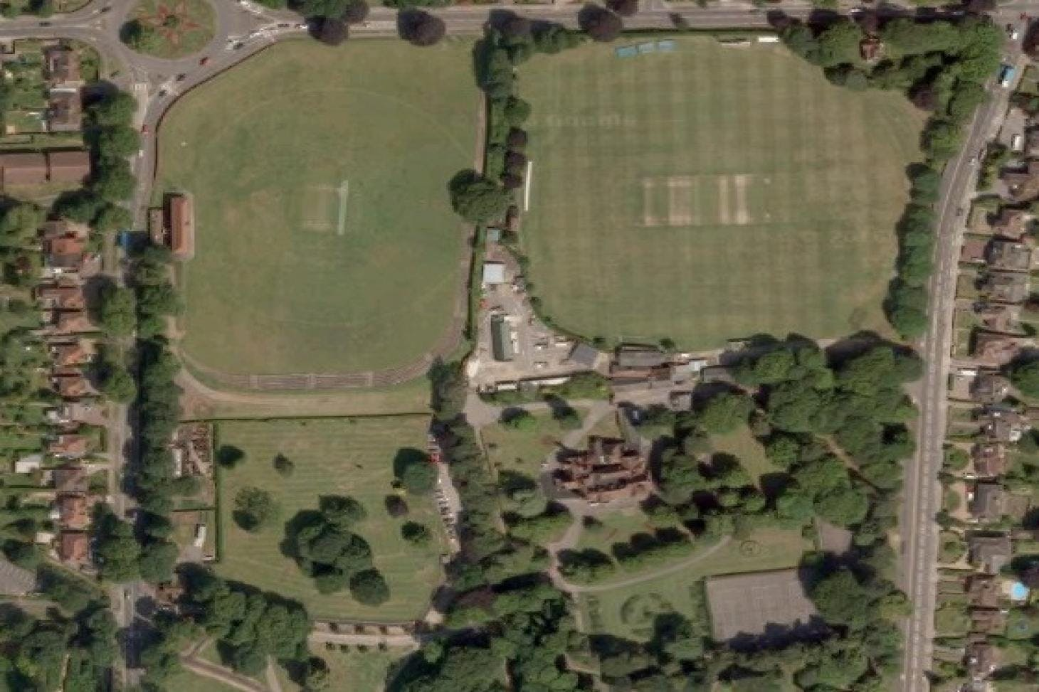 Wardown Park 5 a side | Grass football pitch