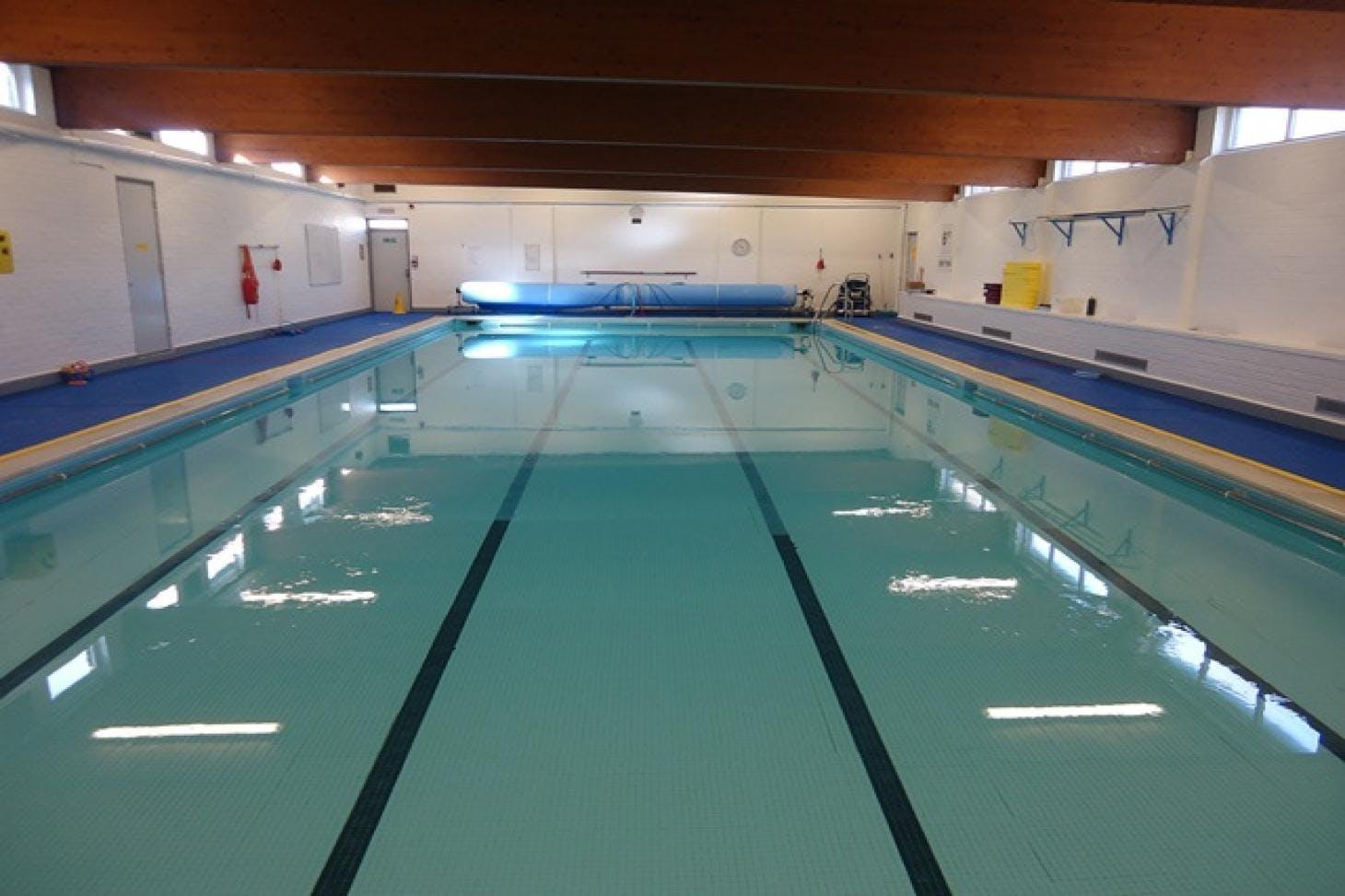 Lealands High School Indoor swimming pool