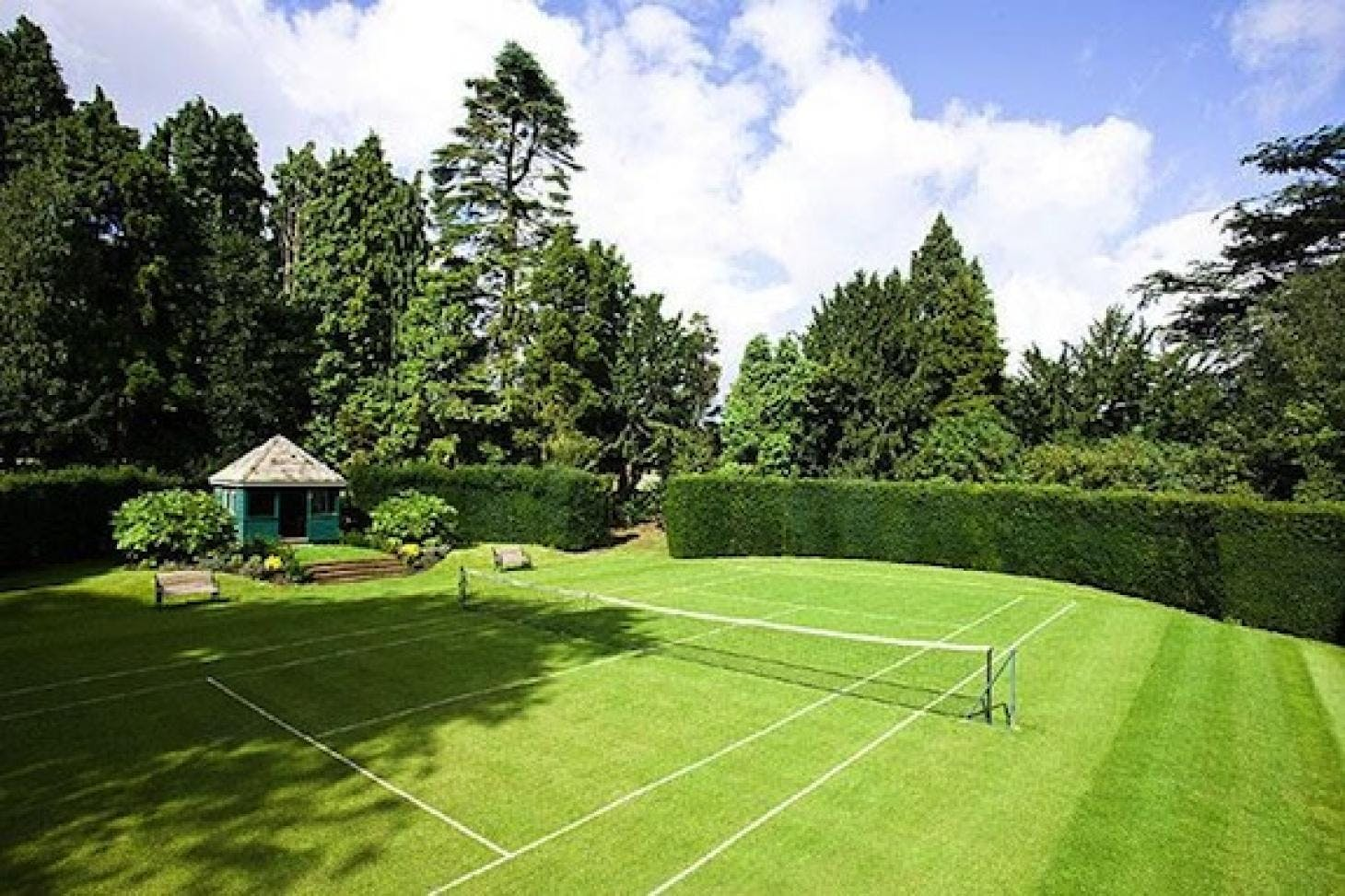 Luton Hoo Hotel Golf and Spa Outdoor | Grass tennis court