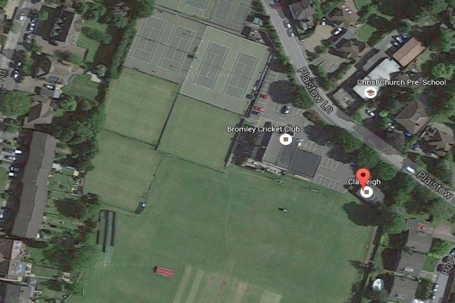 Bromley Cricket Club Indoor   Hard squash court