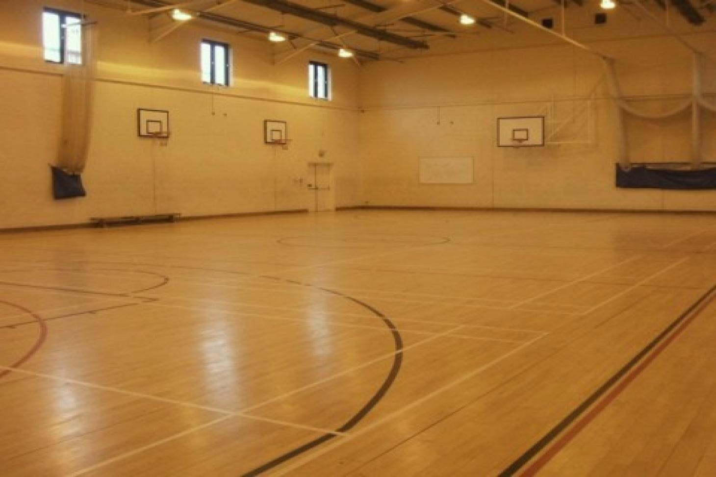Cleeve Park School Indoor | Hard badminton court