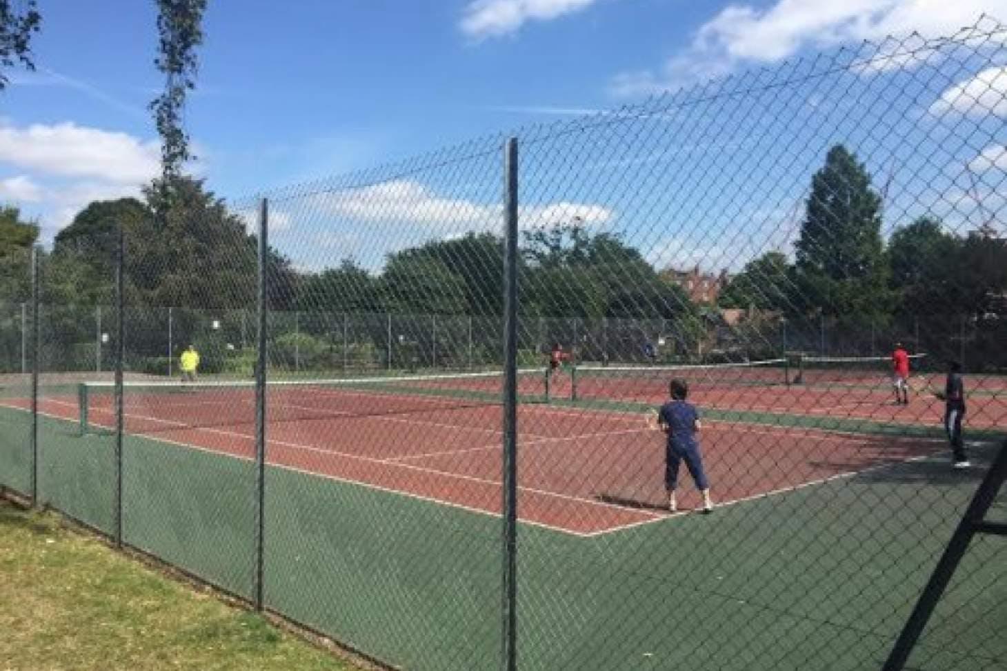 Kilburn Grange Outdoor | Hard (macadam) tennis court