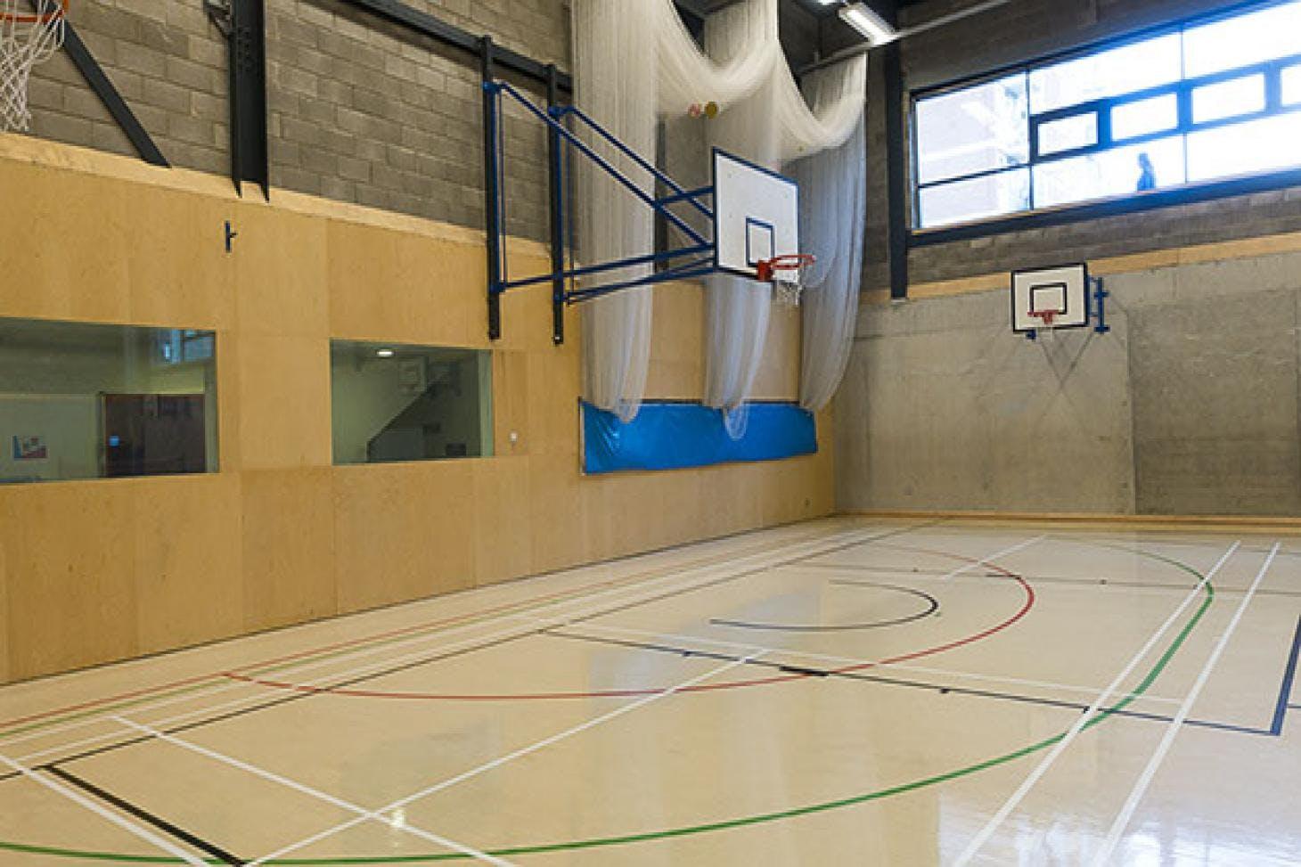 Bridge Academy Indoor | Hard badminton court