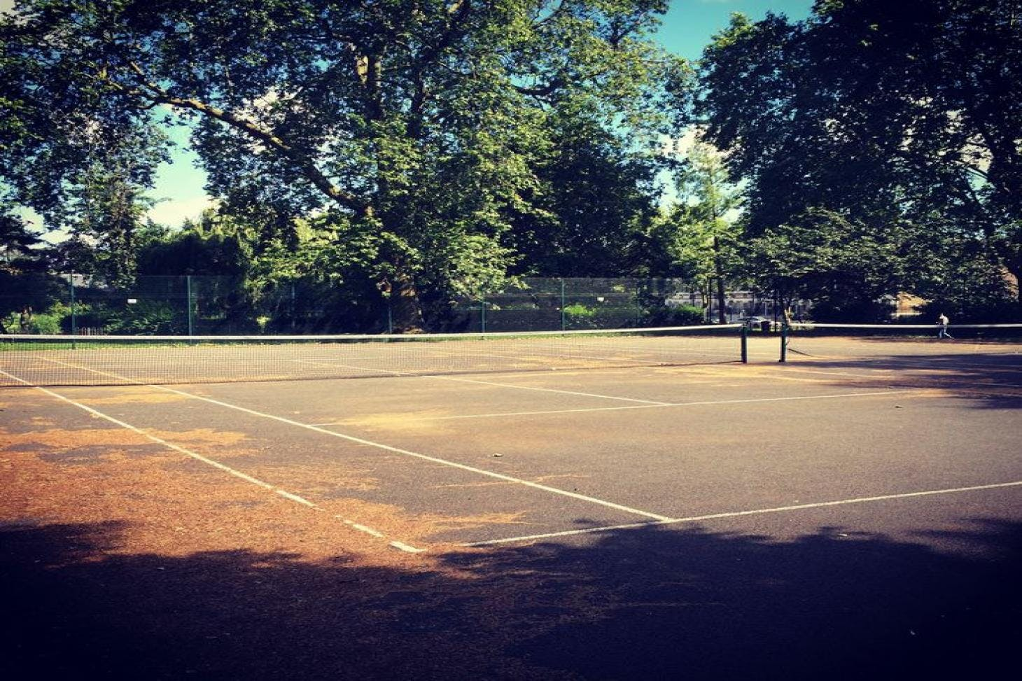 Vauxhall Park Outdoor | Concrete tennis court