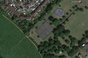 Elthorne Park | Hard (macadam) Tennis Court