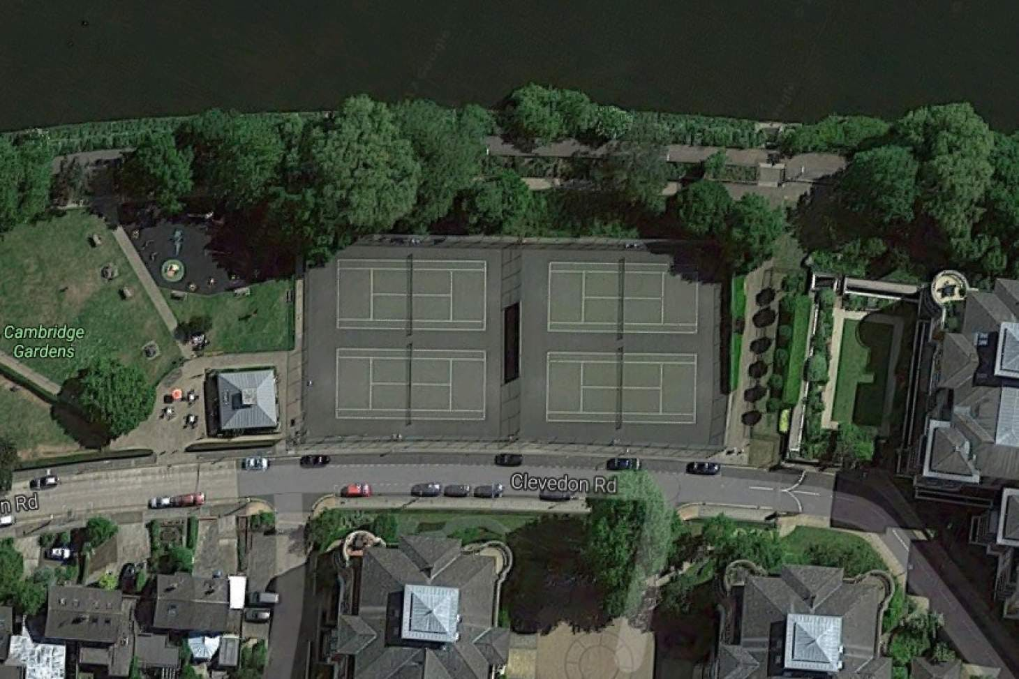 Cambridge Gardens Outdoor | Hard (macadam) tennis court