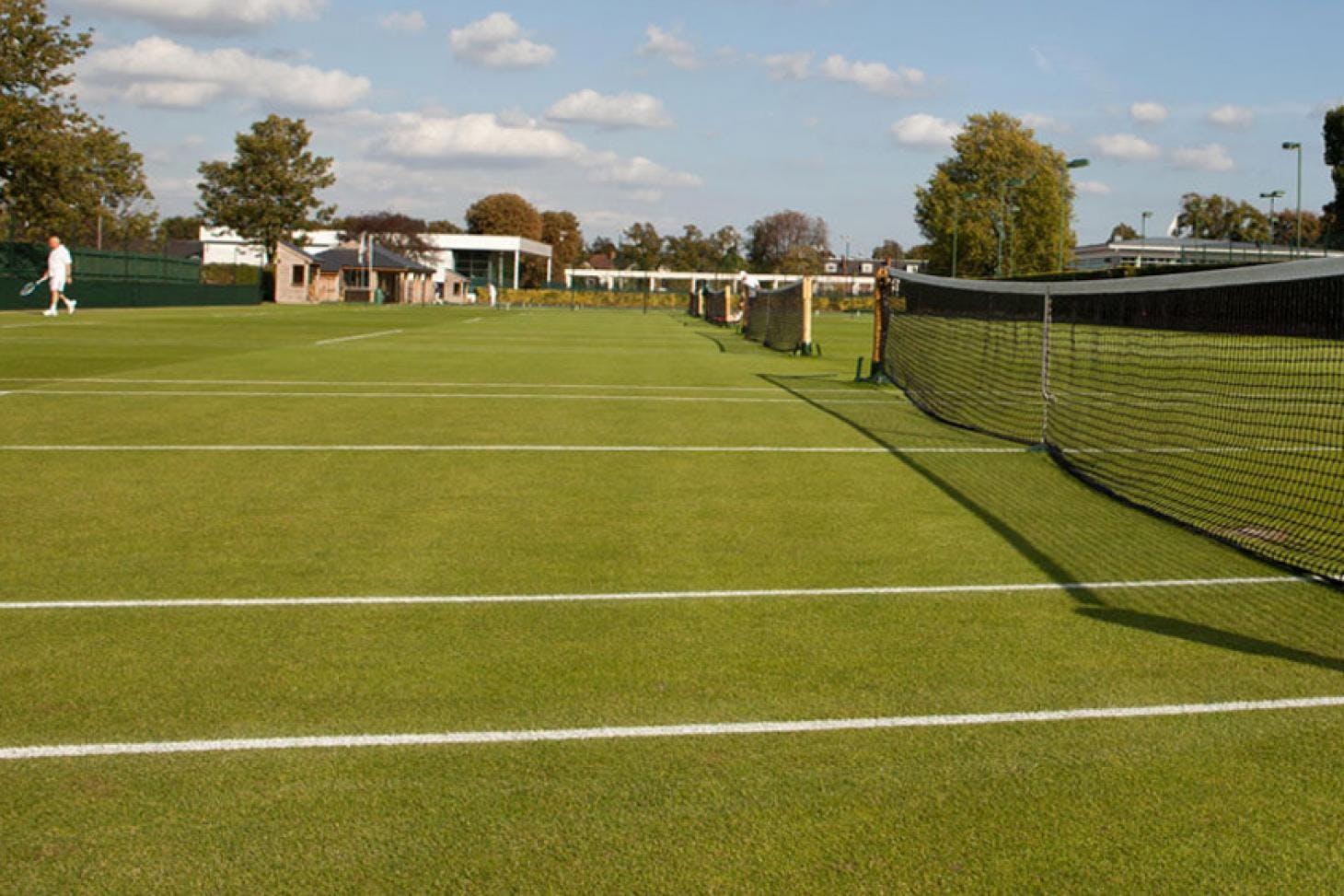 Roehampton Club Outdoor   Grass tennis court