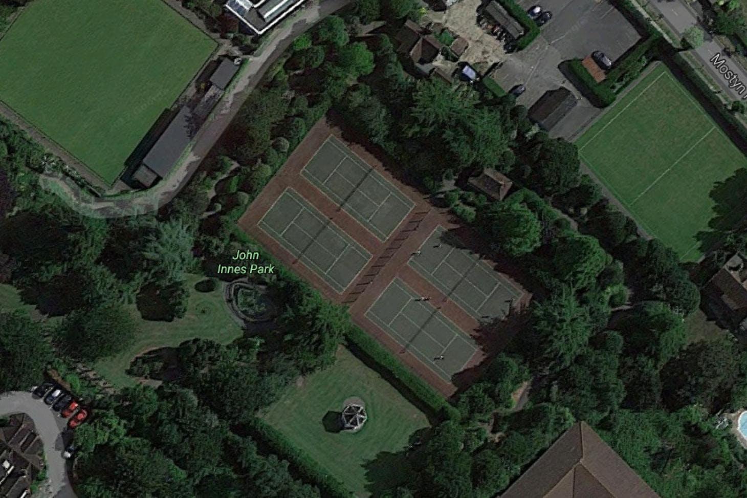 John Innes Park Outdoor | Hard (macadam) tennis court