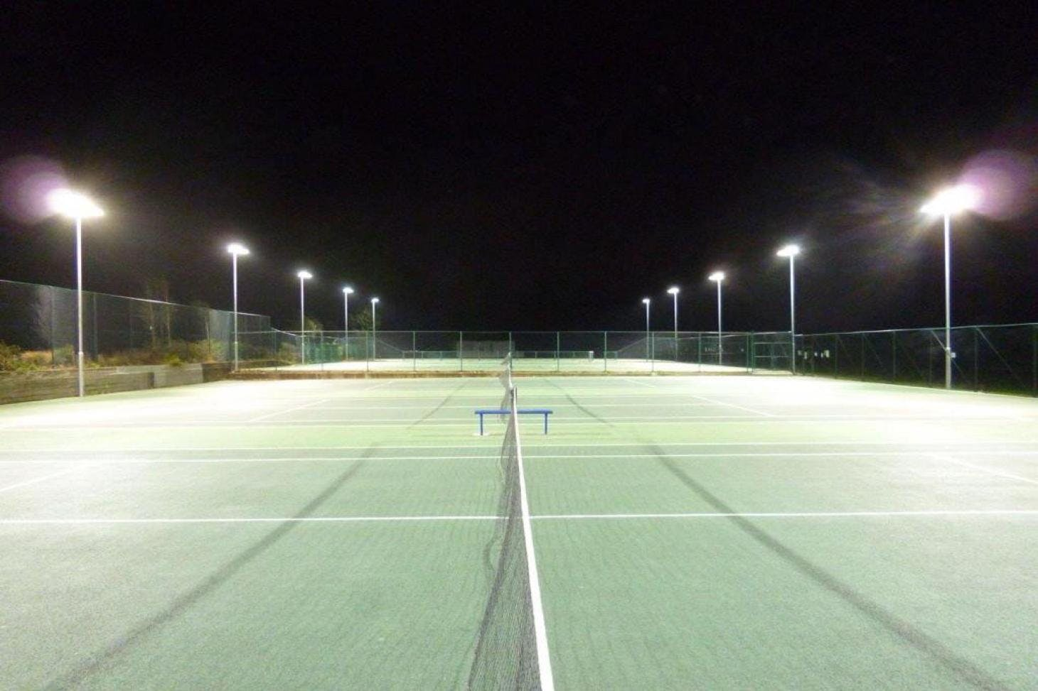 Clissold Park Outdoor | Hard (macadam) tennis court